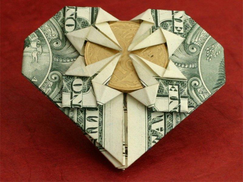 Как сделать их денег сердце