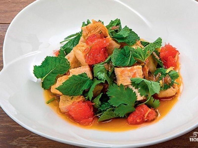 Тайский салат с курицей